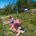 230617, Åland, Rosabussarna, Midsommar, Photo: Rostam Zandi.